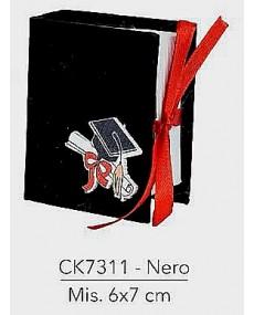 Astuccio porta confetti per laurea colore nero , misura 6x7 cm