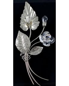 Composizione a 3 rami, foglia con pistillo, bocciolo, e fiore in cristalli swarovski, e metallo ARG.
