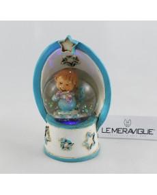 Sfera azzurra in vetro ad arco con:acqua, luce, angioletto e coriandoli all'interno